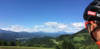 Blick von Remsnik auf Steiner Alpen, Petze und Hochobir01